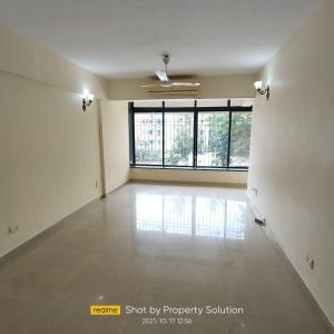 Gallery Cover Image of 1050 Sq.ft 2 BHK Apartment for rent in Moon Beam, Khar West for 78000