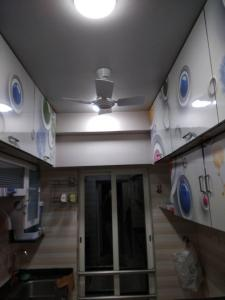 Gallery Cover Image of 552 Sq.ft 1 BHK Apartment for rent in Gurukrupa Marina Enclave, Malad West for 29000