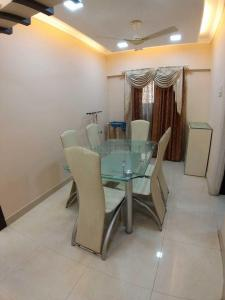 Gallery Cover Image of 1300 Sq.ft 3 BHK Apartment for rent in Khar West for 120000