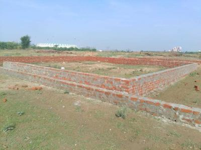 Gallery Cover Image of  Sq.ft Residential Plot for buy in Gomti Nagar for 1700000