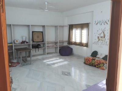 Gallery Cover Image of 2400 Sq.ft 5 BHK Independent House for buy in Khema-Ka-Kuwa for 12500000