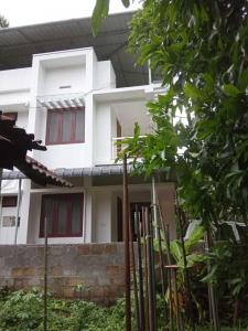 Gallery Cover Image of 1500 Sq.ft 4 BHK Independent House for buy in Mannuthy for 6000000