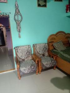 Gallery Cover Image of 810 Sq.ft 3 BHK Independent House for buy in Sunderdeep Niranjanpur, Vijay Nagar for 2650000