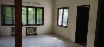 Gallery Cover Image of 2100 Sq.ft 3 BHK Apartment for rent in Alwarpet for 75000