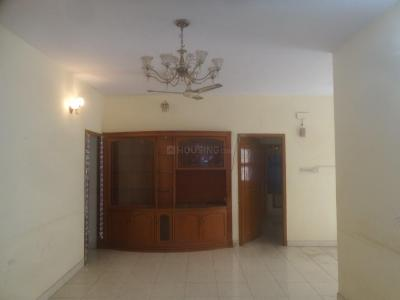 Gallery Cover Image of 900 Sq.ft 3 BHK Apartment for rent in Velachery for 23000