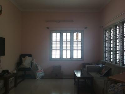 Gallery Cover Image of 1100 Sq.ft 2 BHK Independent Floor for rent in Jayanagar for 18000
