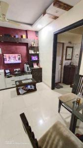 Gallery Cover Image of 570 Sq.ft 1 BHK Apartment for buy in Kasarvadavali, Thane West for 6700000