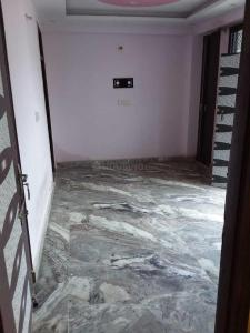 Gallery Cover Image of 450 Sq.ft 1 BHK Apartment for rent in Dwarka Mor for 7500