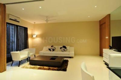 Gallery Cover Image of 1305 Sq.ft 3 BHK Apartment for buy in Malad West for 25500000