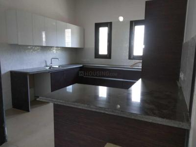 Gallery Cover Image of 1500 Sq.ft 3 BHK Independent Floor for rent in Sector 17 for 30000