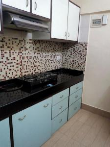 Gallery Cover Image of 350 Sq.ft 1 RK Apartment for rent in Malad West for 19000