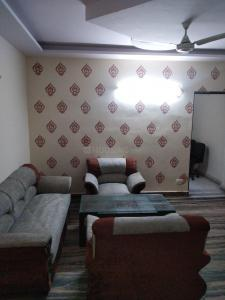Gallery Cover Image of 900 Sq.ft 2 BHK Independent Floor for rent in Subhash Nagar for 24000