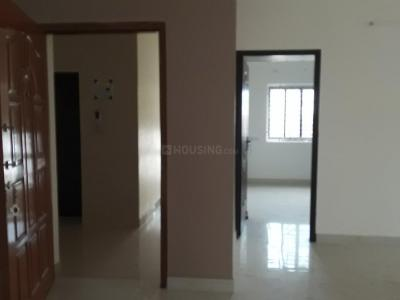 Gallery Cover Image of 1500 Sq.ft 3 BHK Apartment for rent in Palavakkam for 23000
