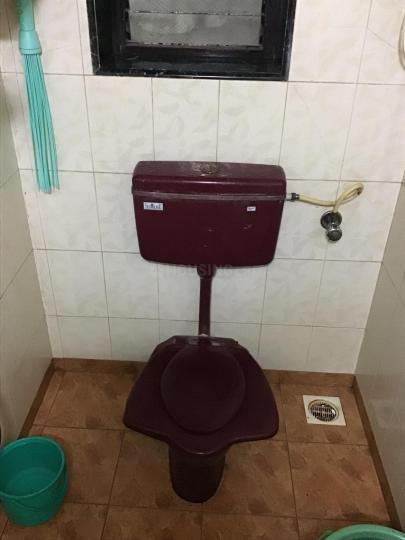 Bathroom Image of 1100 Sq.ft 3 BHK Independent House for rent in Ghatkopar West for 28000