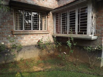 Gallery Cover Image of 1500 Sq.ft 2 BHK Independent House for buy in Santiniketan for 10000000