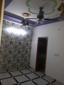 Gallery Cover Image of 1000 Sq.ft 3 BHK Apartment for buy in Unnati Apartments, DLF Ankur Vihar for 2900000