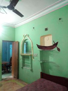 Gallery Cover Image of 650 Sq.ft 2 BHK Independent House for rent in Keshtopur for 11000