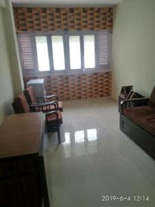 Gallery Cover Image of 500 Sq.ft 1 BHK Apartment for rent in Malad West for 19000