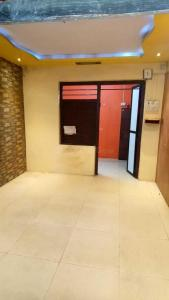 Gallery Cover Image of 425 Sq.ft 1 RK Apartment for rent in Thane West for 17000