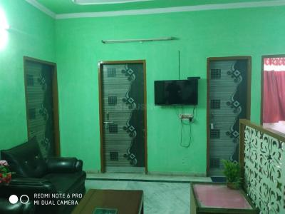 Gallery Cover Image of 1400 Sq.ft 3 BHK Independent House for rent in Sector 34 for 18000