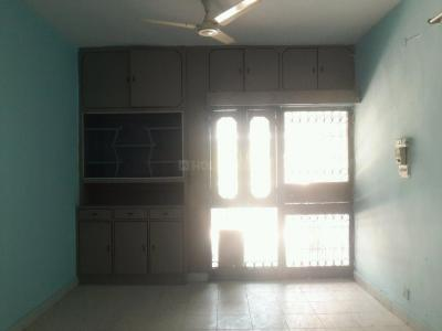 Gallery Cover Image of 1800 Sq.ft 3 BHK Apartment for rent in Mayur Vihar II for 33000