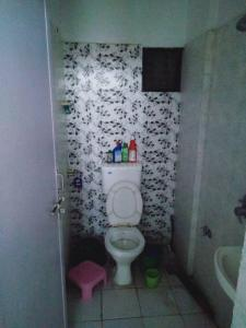 Bathroom Image of 792 Sq.ft 1 BHK Apartment for buy in A U Samyak Galaxy, Chandkheda for 2350000