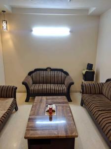 Gallery Cover Image of 950 Sq.ft 2 BHK Independent Floor for rent in Lajpat Nagar for 35000