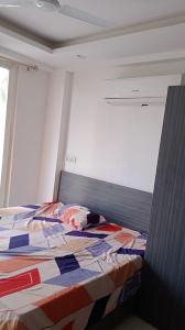 Gallery Cover Image of 400 Sq.ft 1 RK Apartment for rent in HUDA Plot Sector 42, Sector 42 for 14000
