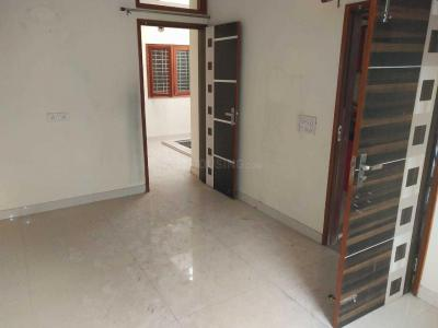 Gallery Cover Image of 500 Sq.ft 2 BHK Independent Floor for buy in Sector 4 Rohini for 1550000