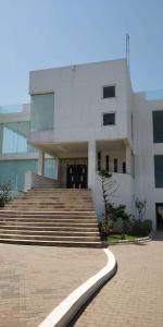 Gallery Cover Image of 16000 Sq.ft 6 BHK Independent House for buy in Kovalam for 170000000