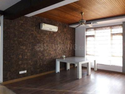 Gallery Cover Image of 2400 Sq.ft 3 BHK Apartment for rent in Sector 69 for 28000