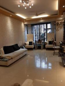 Gallery Cover Image of 610 Sq.ft 1 BHK Apartment for rent in Andheri West for 50000