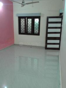 Gallery Cover Image of 950 Sq.ft 1 BHK Independent Floor for rent in Habib Ganj for 6000