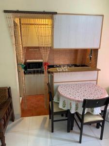 Gallery Cover Image of 400 Sq.ft 1 RK Apartment for rent in Andheri East for 25000