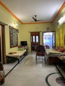 Gallery Cover Image of 1250 Sq.ft 2 BHK Independent House for rent in Indira Nagar for 24000