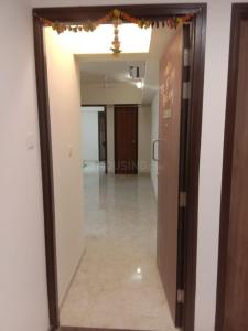 Gallery Cover Image of 650 Sq.ft 1 BHK Apartment for rent in Lodha Amara Tower 26 27 28 30 34 35, Thane West for 19000