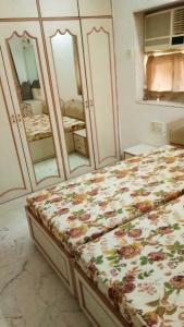 Bedroom Image of PG 4035225 Girgaon in Girgaon