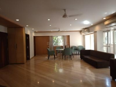 Gallery Cover Image of 5000 Sq.ft 4 BHK Independent Floor for buy in Juhu for 220000000