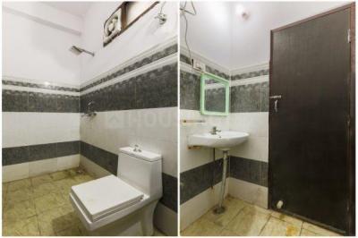 Bathroom Image of Oyo Life Ol_grg1980 in Sector 38