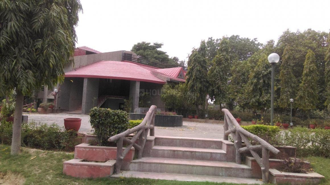 Garden Area Image of 15000 Sq.ft 5+ BHK Independent House for buy in Dera Mandi for 250000000