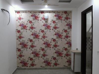 Gallery Cover Image of 450 Sq.ft 1 BHK Independent Floor for buy in Mahavir Enclave for 2100000