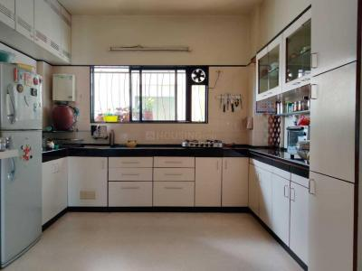 Gallery Cover Image of 1380 Sq.ft 3 BHK Apartment for rent in Pimple Saudagar for 20000