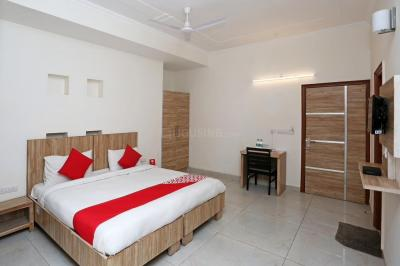 Gallery Cover Image of 1800 Sq.ft 3 BHK Independent Floor for rent in Sector 42 for 32000