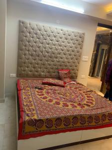 Gallery Cover Image of 905 Sq.ft 2 BHK Apartment for rent in Wadgaon Sheri for 20000