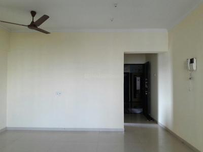Gallery Cover Image of 1200 Sq.ft 3 BHK Apartment for rent in Kandivali West for 60000