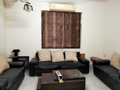 Gallery Cover Image of 1250 Sq.ft 3 BHK Apartment for rent in Vikas Kunj, Vikaspuri for 30000