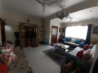 Gallery Cover Image of 2000 Sq.ft 3 BHK Apartment for rent in Vasant Kunj for 60000