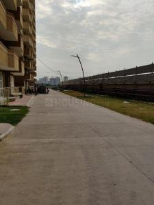 Gallery Cover Image of 700 Sq.ft 2 BHK Apartment for buy in Pyramid Infinity, Sector 70 for 3400000