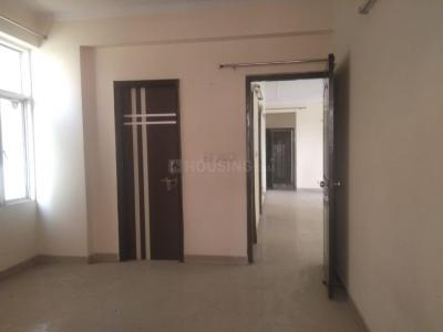 Gallery Cover Image of 1850 Sq.ft 3 BHK Apartment for rent in Manchanda Eastend Apartments, Ahinsa Khand for 18000