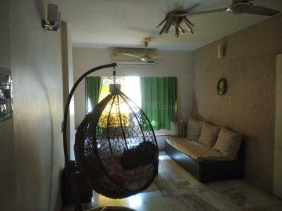Gallery Cover Image of 980 Sq.ft 2 BHK Apartment for rent in Malad West for 42500